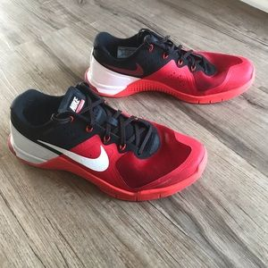 Men's Size 10.5 Red Nike Metcon 2 Flywire
